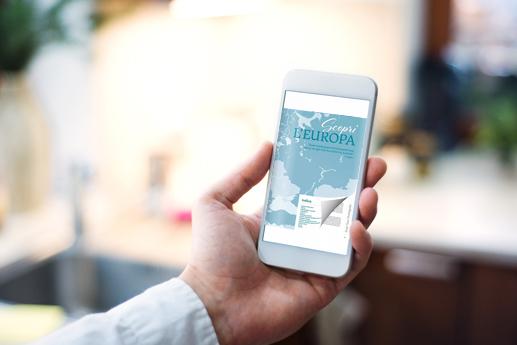 Fare rivista elettronica sul smartphone con un effetto di capovolgimento di pagina